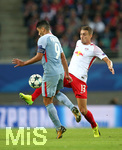 13.09.2017, Fussball UEFA Champions League 2017/2018,  Gruppenphase, 1.Spieltag, RB Leipzig - AS Monaco, in der Red Bull Arena Leipzig. v.l. Radamel Falcao (AS Monaco) gegen Stefan Ilsanker (RB Leipzig)