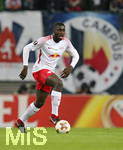 22.02.2018, Fussball UEFA Europa League 2017/2018,  Zwischenrunde, RB Leipzig - SSC Neapel, in der Red Bull Arena Leipzig. Dayot Upamecano (RB Leipzig)