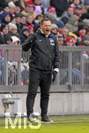 24.02.2018,  Fussball 1.Liga 2017/2018, 24.Spieltag,  FC Bayern München - Hertha BSC Berlin, in der Allianz Arena München. Trainer Pal Dardai (Hertha BSC Berlin) in Rage.