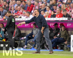 14.04.2018, Fussball 1. Bundesliga 2017/2018, 30. Spieltag, FC Bayern München - Borussia Mönchengladbach, in der Allianz-Arena München. Trainer Dieter Hecking (Borussia Mönchengladbach) in Rage.