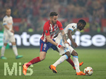 16.05.2018,  Fussball UEFA Europa-League Finale 2018, Olympique Marseille - Atletico Madrid, im Parc Olympique Lyonnais. v.l. Saul Niguez (Atletico Madrid) gegen Andre Zambo Anguissa (Olympique Marseille)