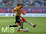 26.07.2018, Fussball UEFA Europa League 2018/2019,  2. Qualifikationsrunde, RB Leipzig - BK Häcken, in der Red Bull Arena Leipzig. v.l. Adam Andersson (BK Häcken) im Zweikampf mit Marcelo Saracchi (RB Leipzig)