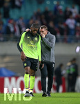 25.10.2018, Fussball UEFA Europa League 2018/2019, Gruppenphase, 3.Spieltag, RB Leipzig - Celtic Glasgow, in der Red Bull Arena Leipzig. (L-R) Olivier Ntcham (Celtic Glasgow) und Trainer Brendan Rodgers (Celtic Glasgow)
