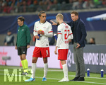 02.10.2019, Fussball UEFA Champions League 2019/2020, Gruppenphase, 2.Spieltag, RB Leipzig - Olympique Lyon, in der Red Bull Arena Leipzig. (L-R) Yussuf Poulsen (RB Leipzig), Konrad Laimer (RB Leipzig) und Trainer Julian Nagelsmann (RB Leipzig)