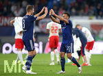 02.10.2019, Fussball UEFA Champions League 2019/2020, Gruppenphase, 2.Spieltag, RB Leipzig - Olympique Lyon, in der Red Bull Arena Leipzig. Schlussjubel (L-R) Joachim Andersen (Olympique Lyon) und Fernando Marcal (Olympique Lyon)